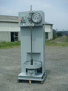 土の自動突き固め装置(A-410-F型)