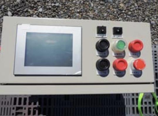 高輝度防水タッチパネル